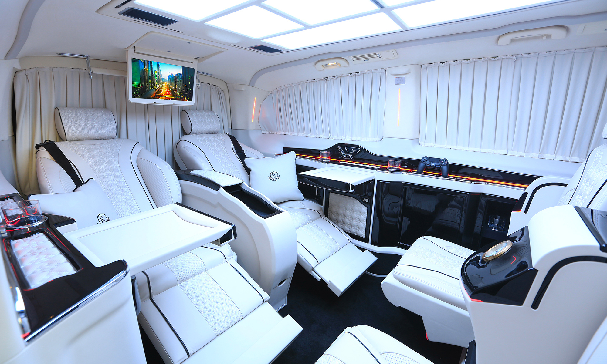 Mercedes Benz Sprinter >> Mercedes-Benz Royal MB VIP Van | Rovelver Vip Auto Design